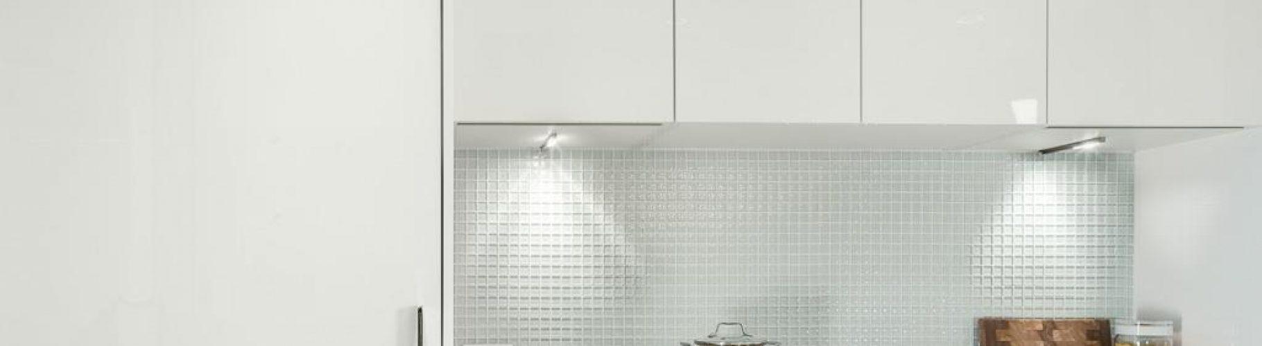 mark-on-10th-cooktop-fridge
