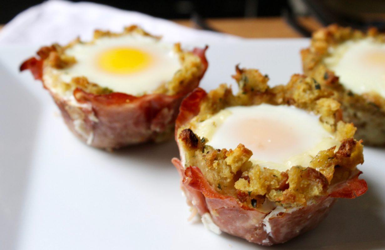 ham_egg_and_cheese_stuffing_breakfast_muffins-grace_parisi-151120_2de2915916e7c76f7e968207068673e6